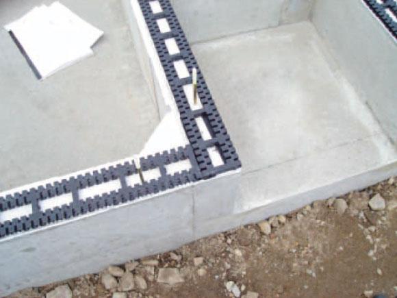 湿気から家を守る基礎パッキン工法